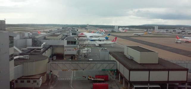Gatwick Airport Timelapse
